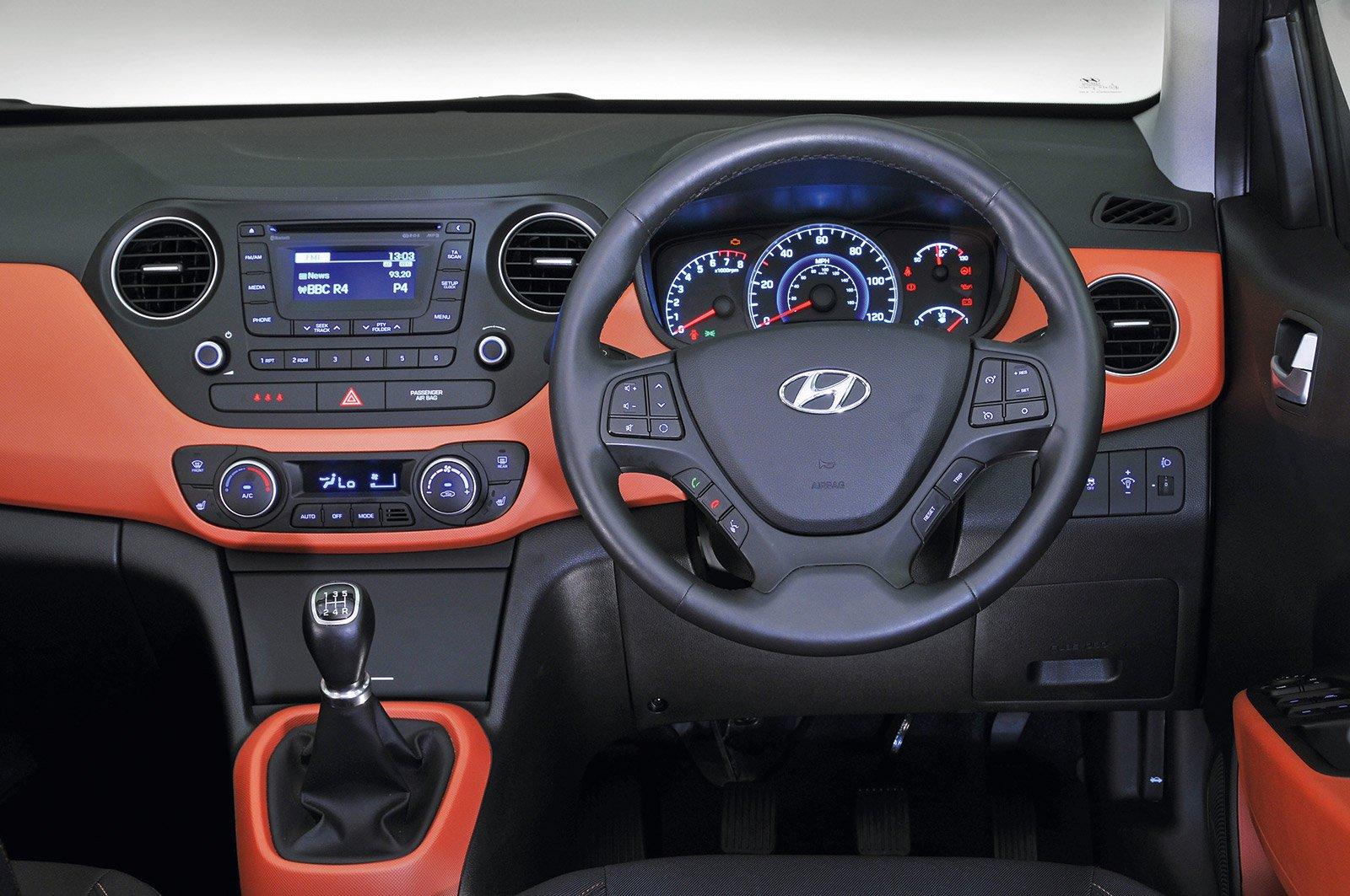 Hyundai i10 2015 dashboard
