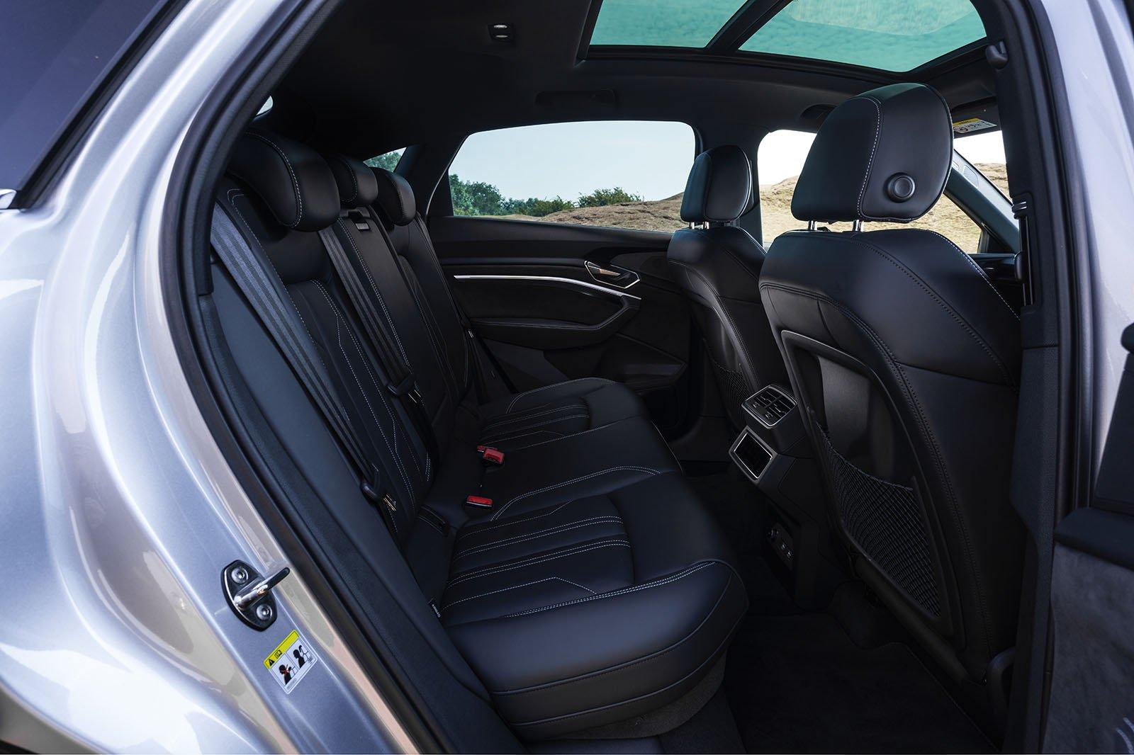 Audi E-tron Sportback 2020 rear seats
