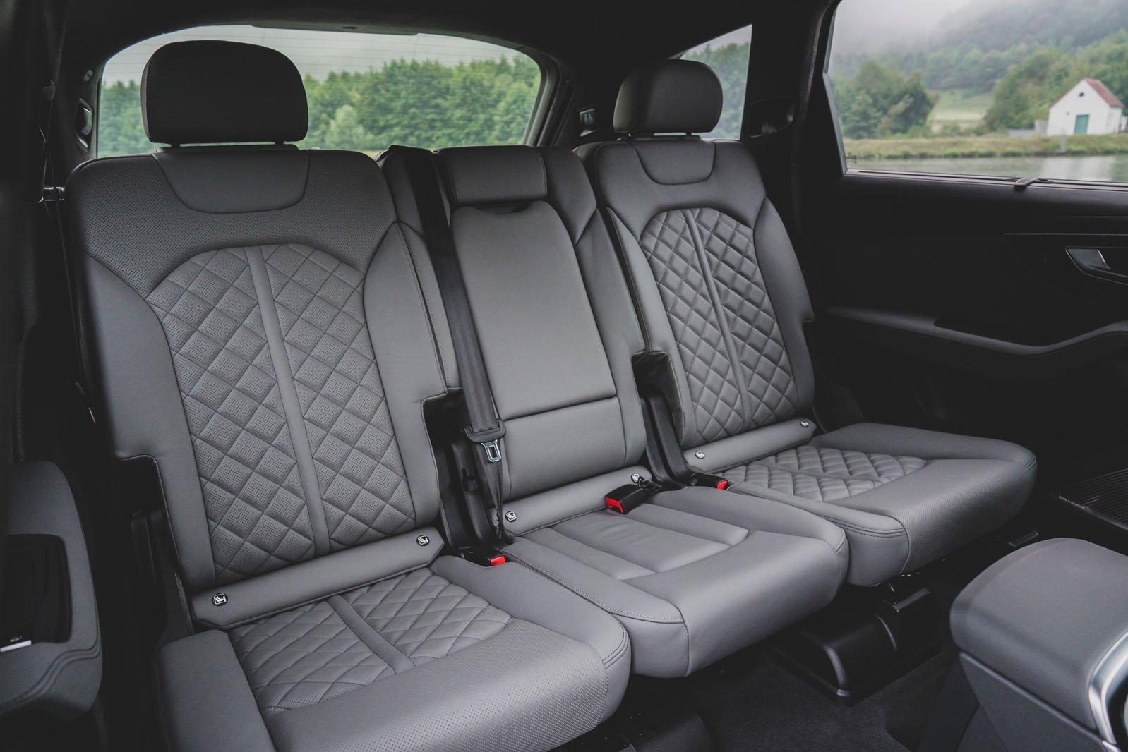 Audi SQ7 2020 rear seats