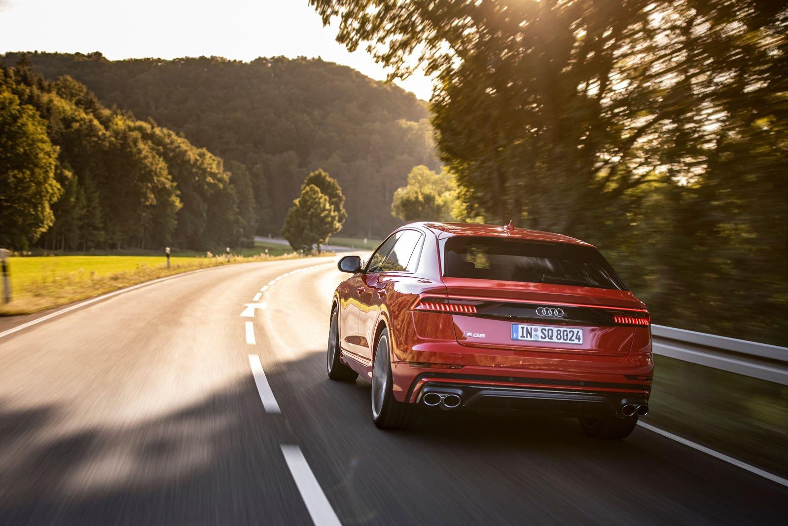 Audi SQ8 2020 rear tracking
