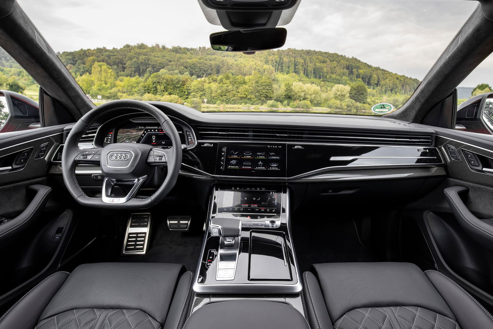 Audi SQ8 2020 dashboard