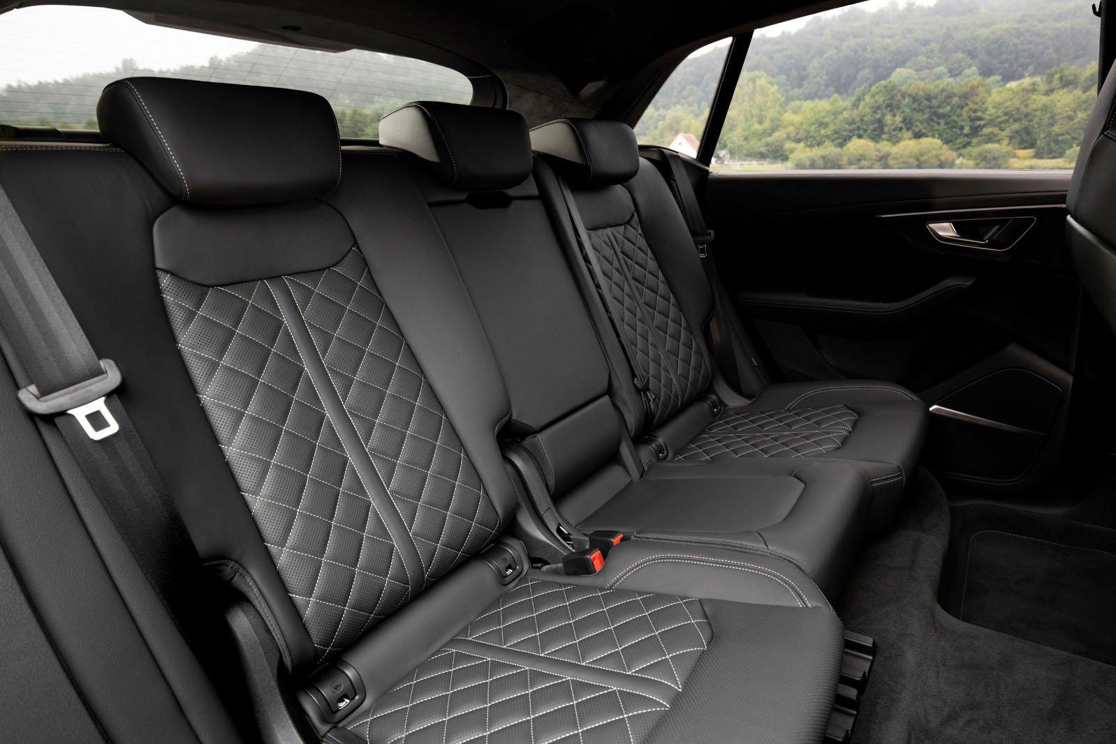 Audi SQ8 2020 rear seats