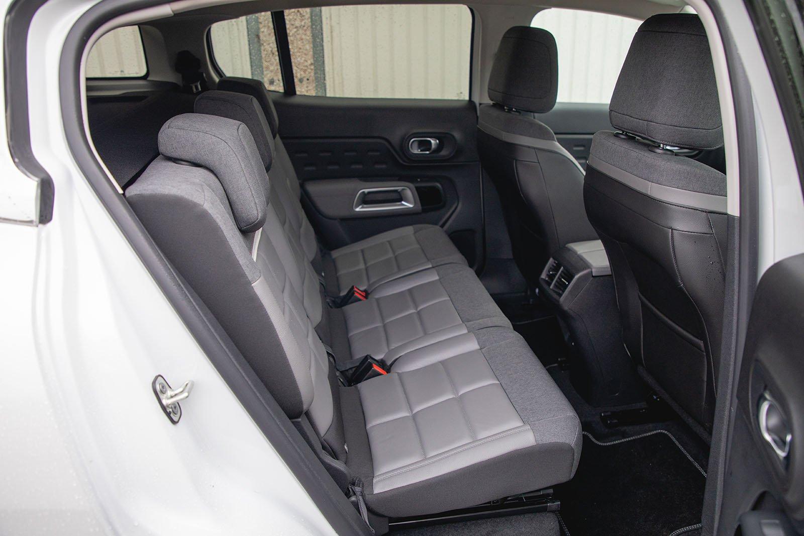 Citroën C5 Aircross 2020 rear seats