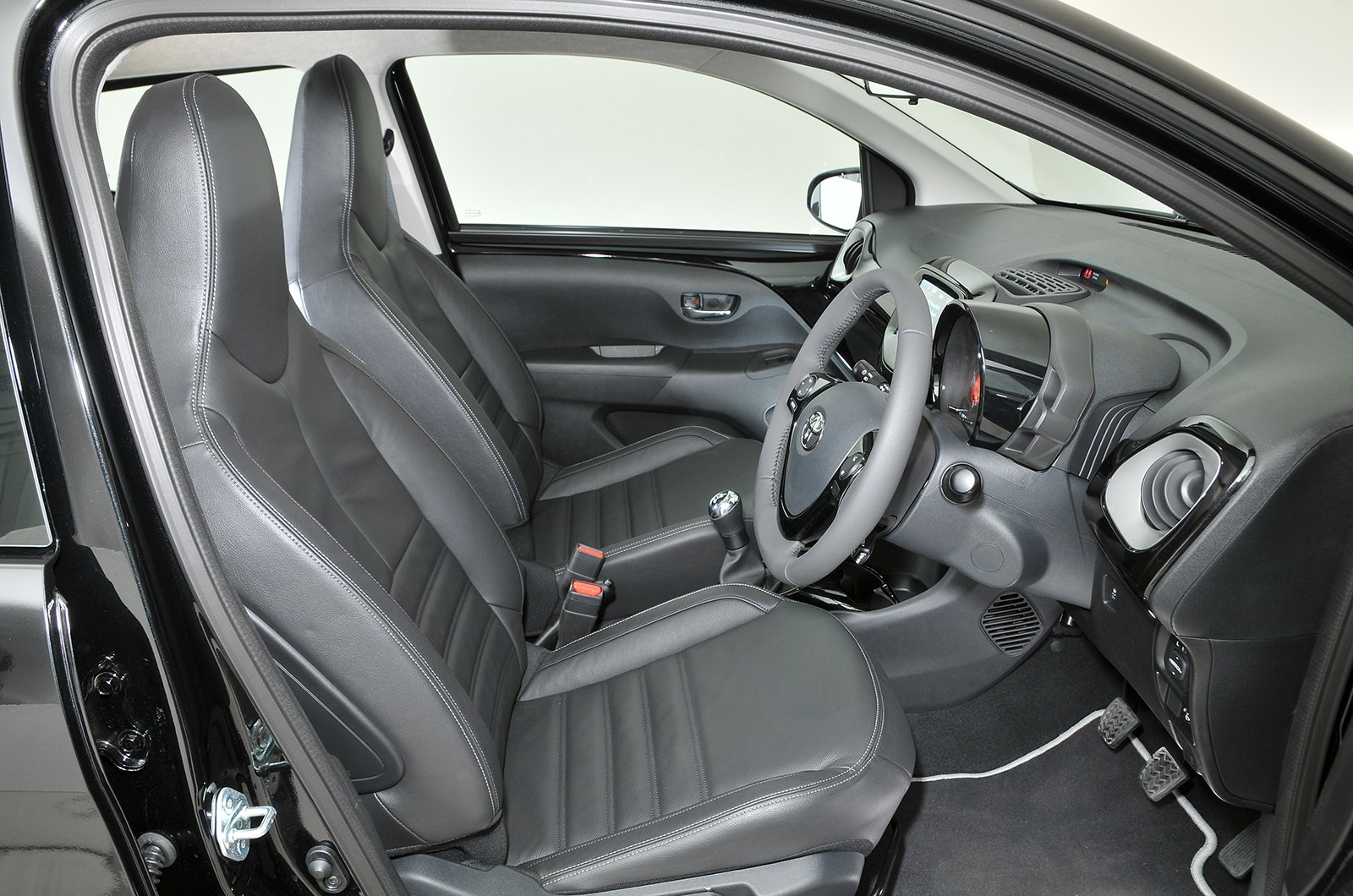 Toyota Aygo 2014-present front seat