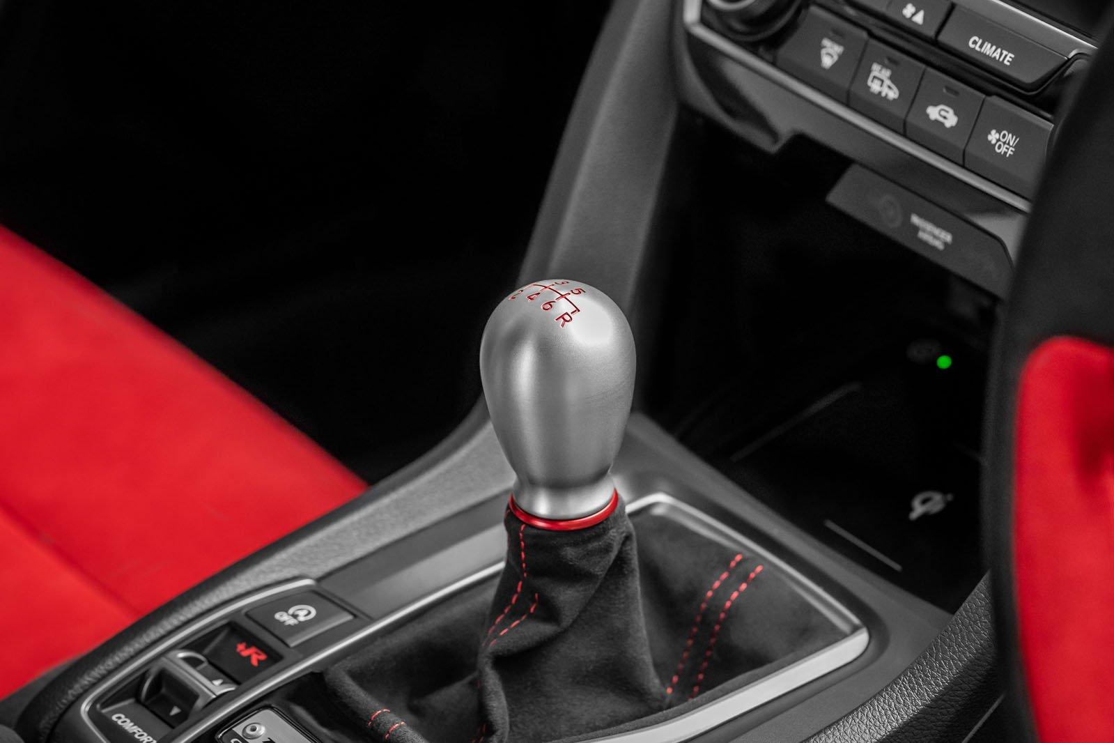 Honda Civic Type R 2020 gear selector