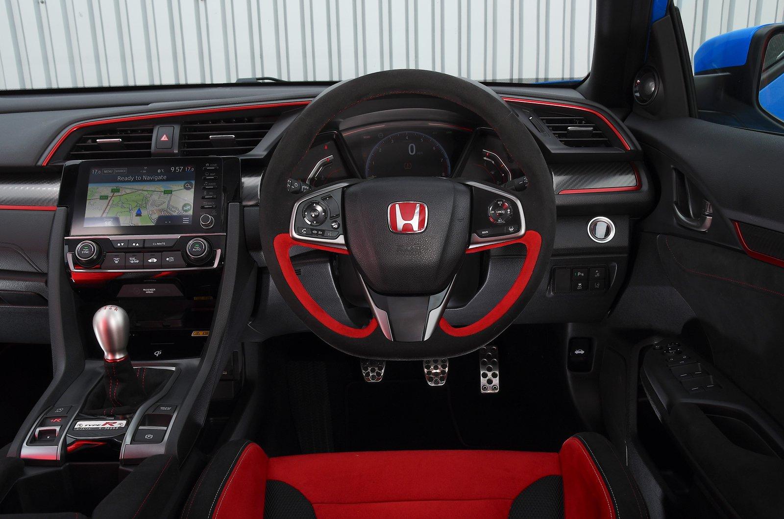 2020 Honda Civic Type R dashboard
