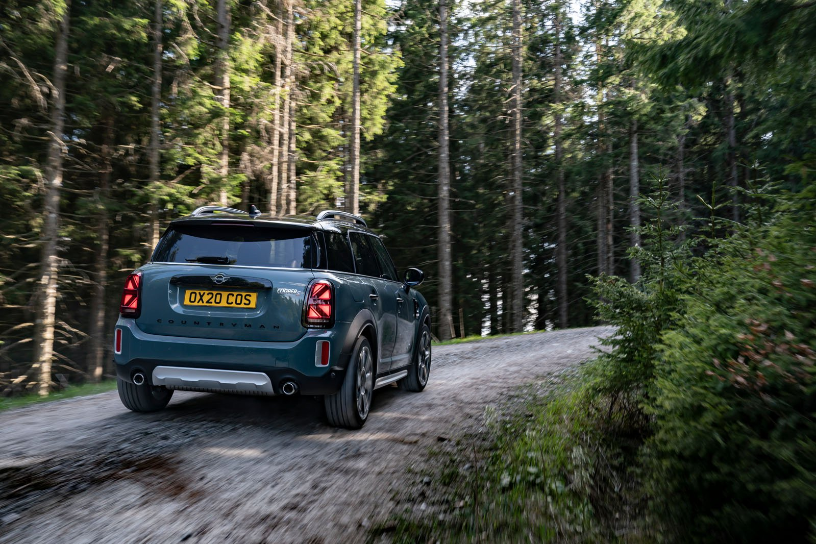 Mini Countryman 2021 rear tracking