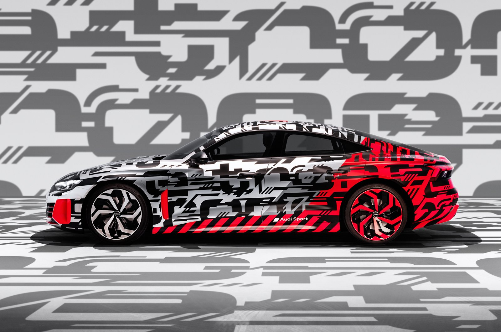 Audi E-tron GT prototype side
