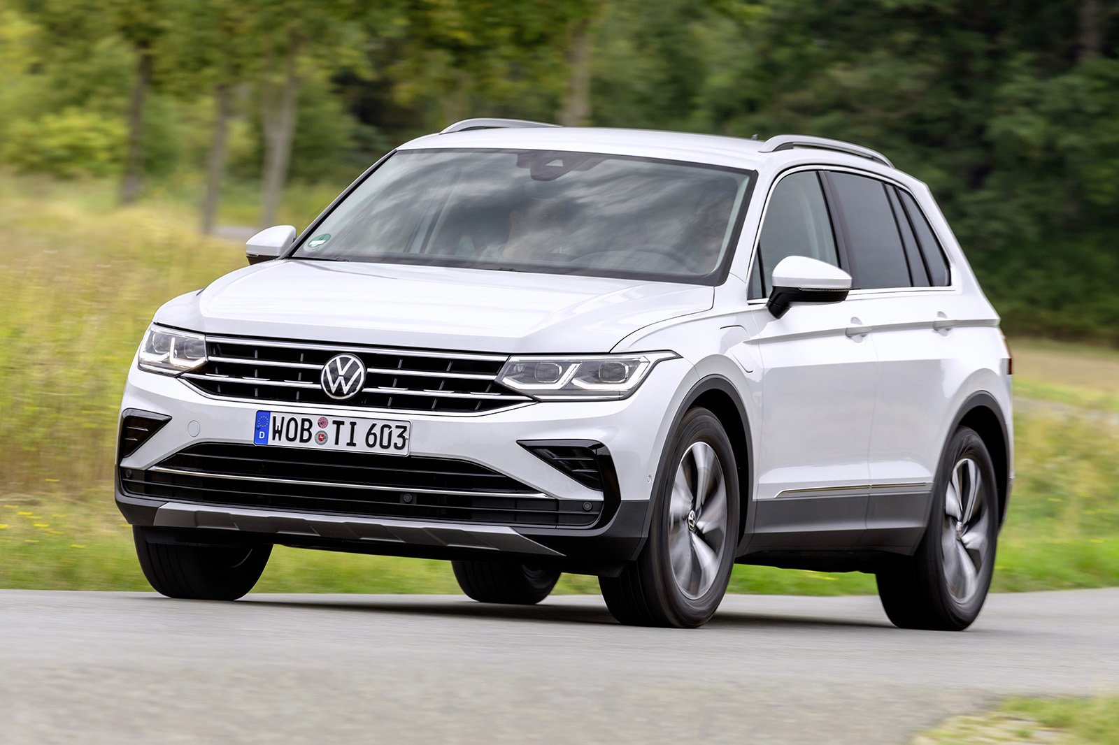 2021 VW Tiguan eHybrid front three quarter
