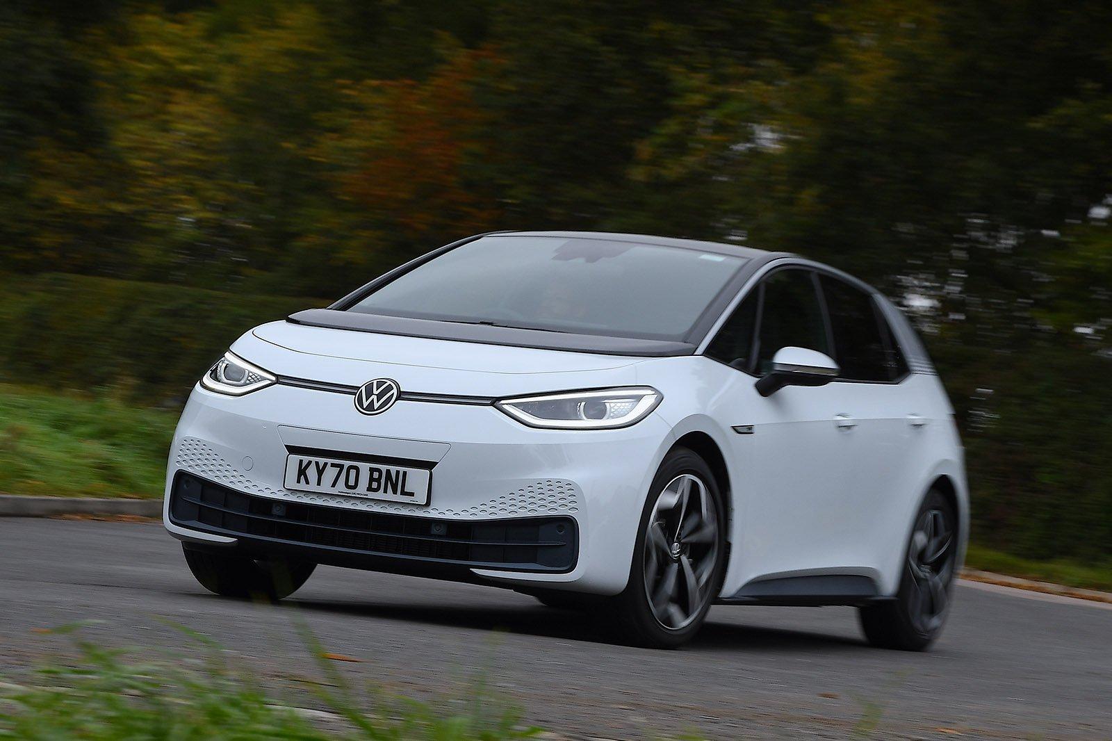 Volkswagen ID.3 2021 wide cornering