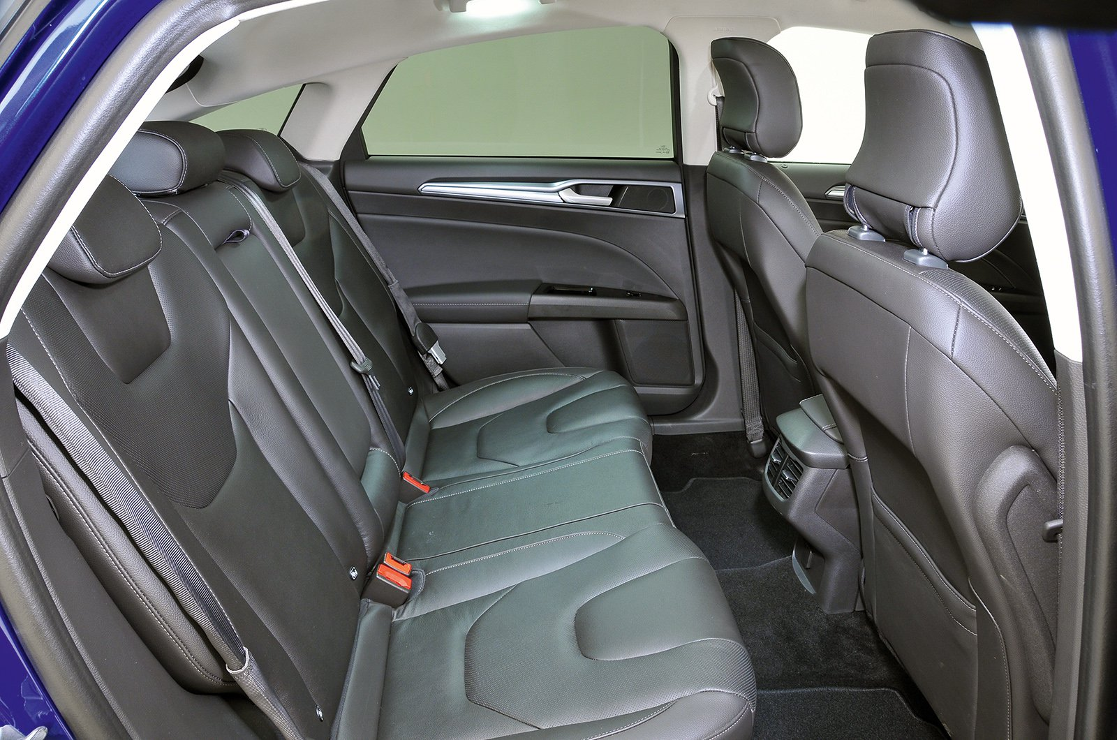 Ford Mondeo hatch rear seats