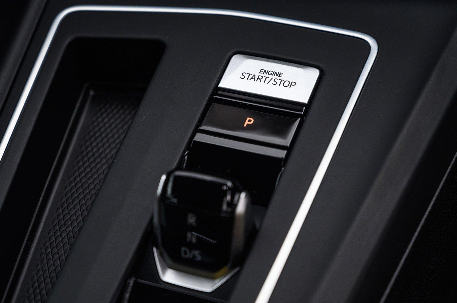 Volkswagen Golf engine start button