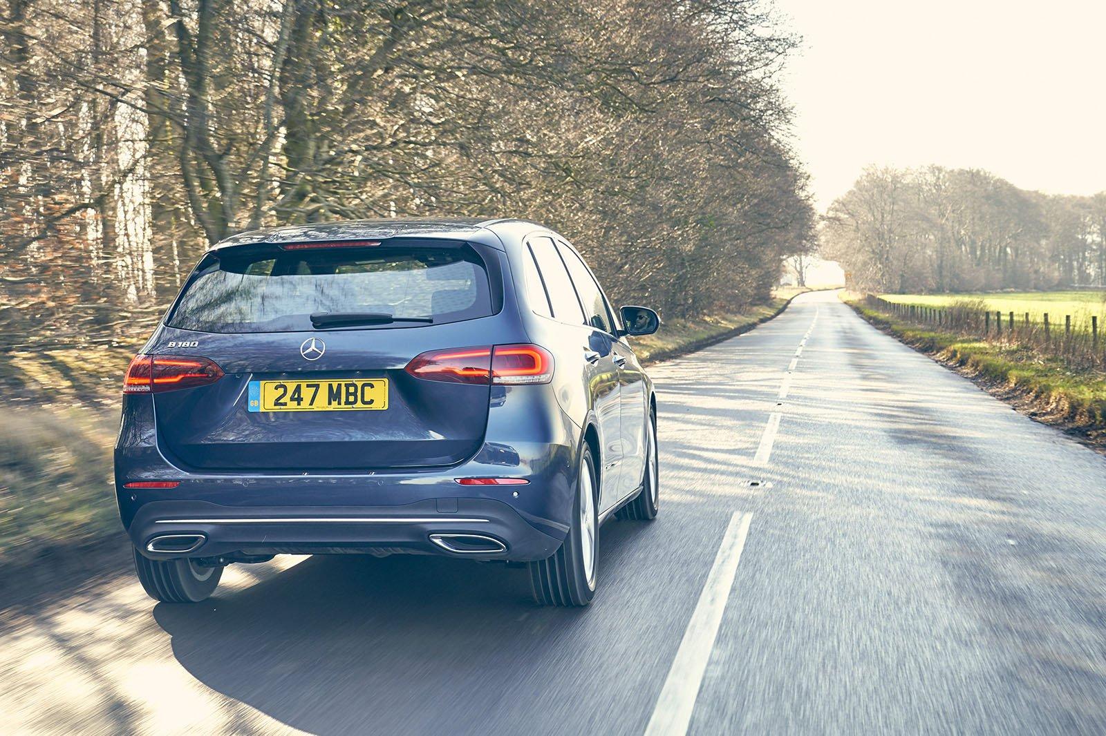 Mercedes B-Class MPV 2020 rear tracking
