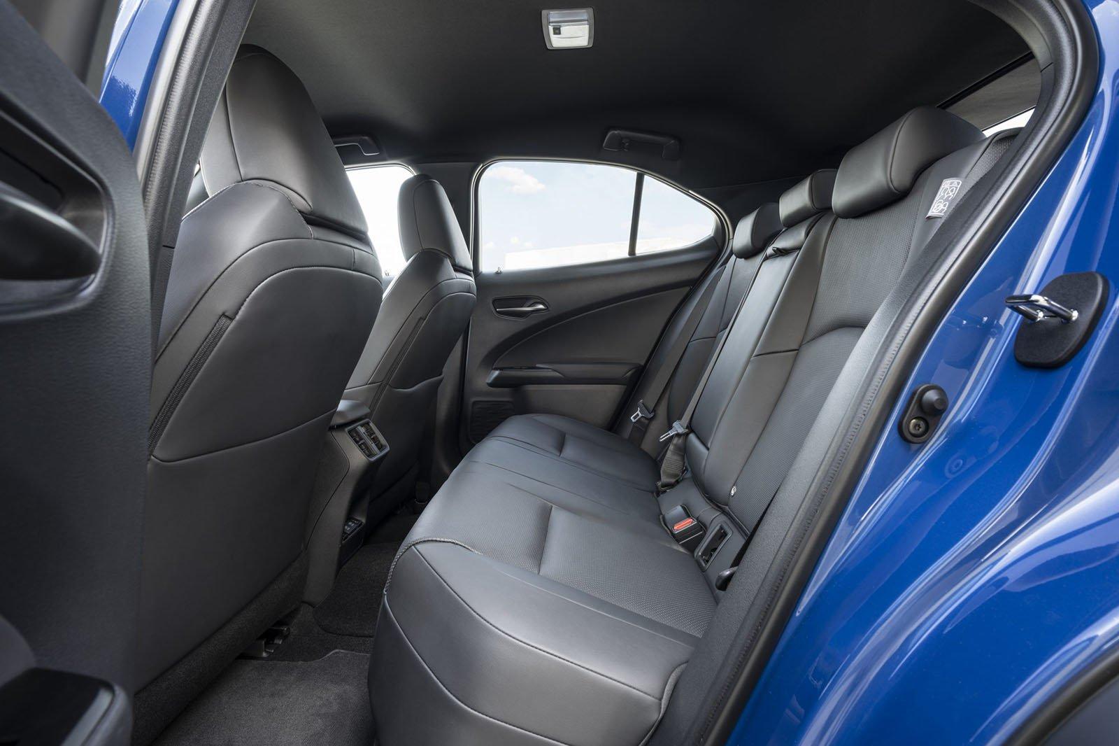 Lexus UX300e 2020 rear seats