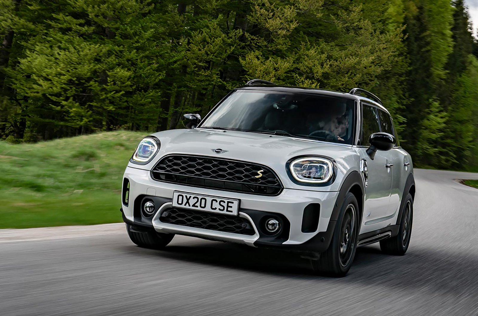 MINI Countryman front three quarters