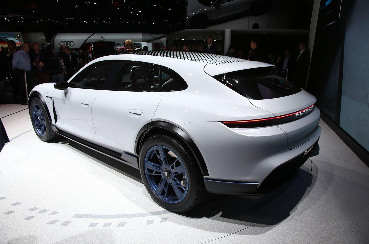 Porsche Taycan Cross Turismo concept rear