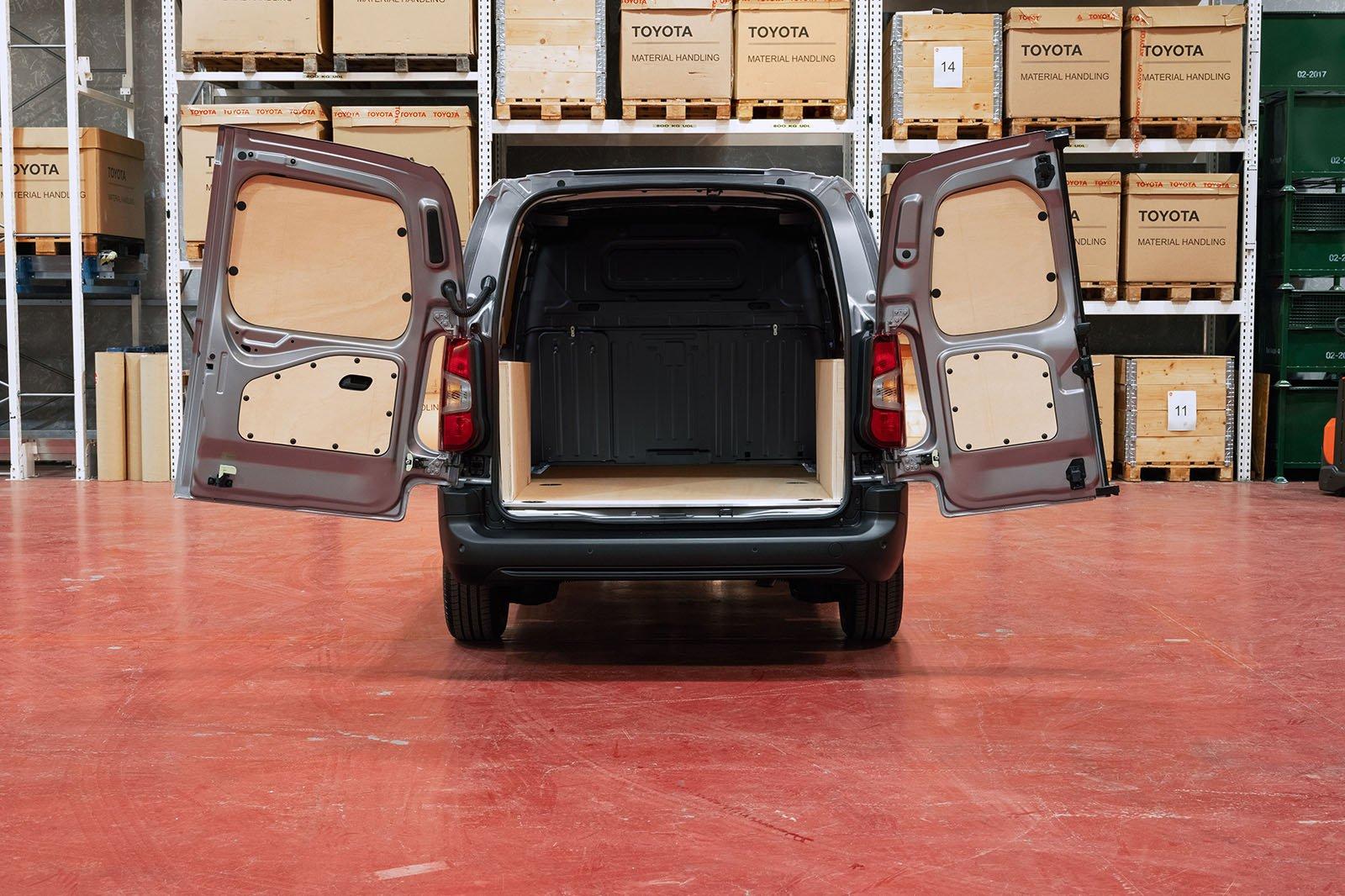 Toyota Proace City van rear doors open