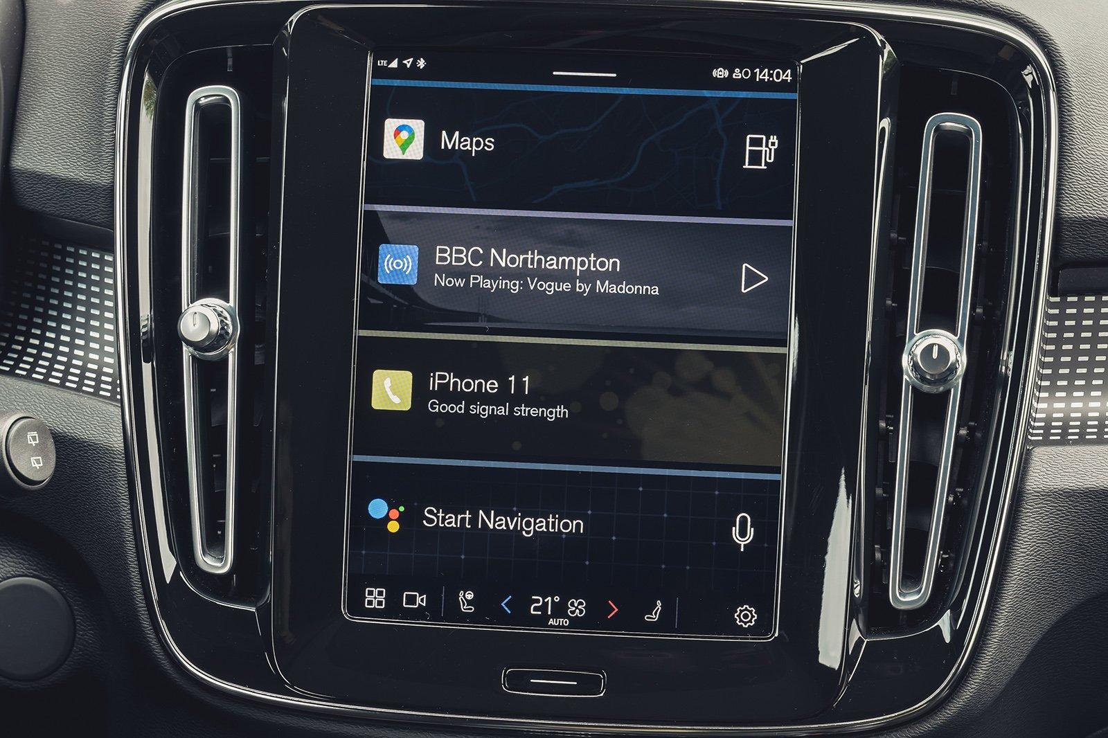 Volvo XC40 Electric infotainment
