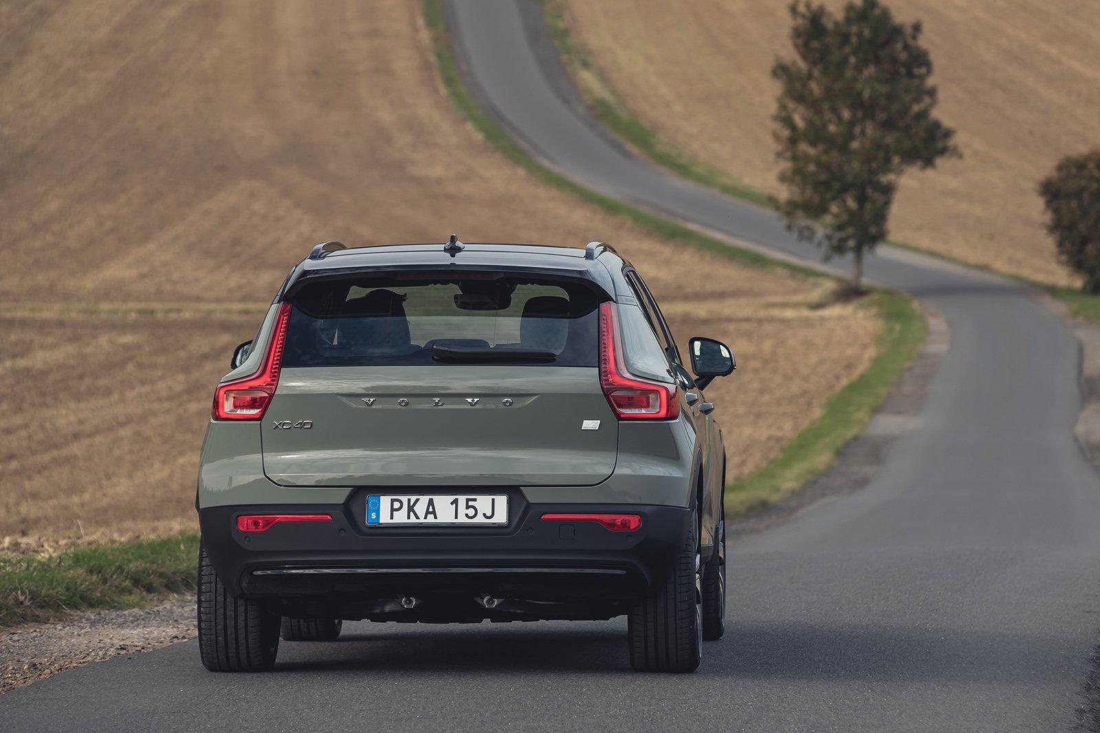Volvo XC40 Electric rear cornering