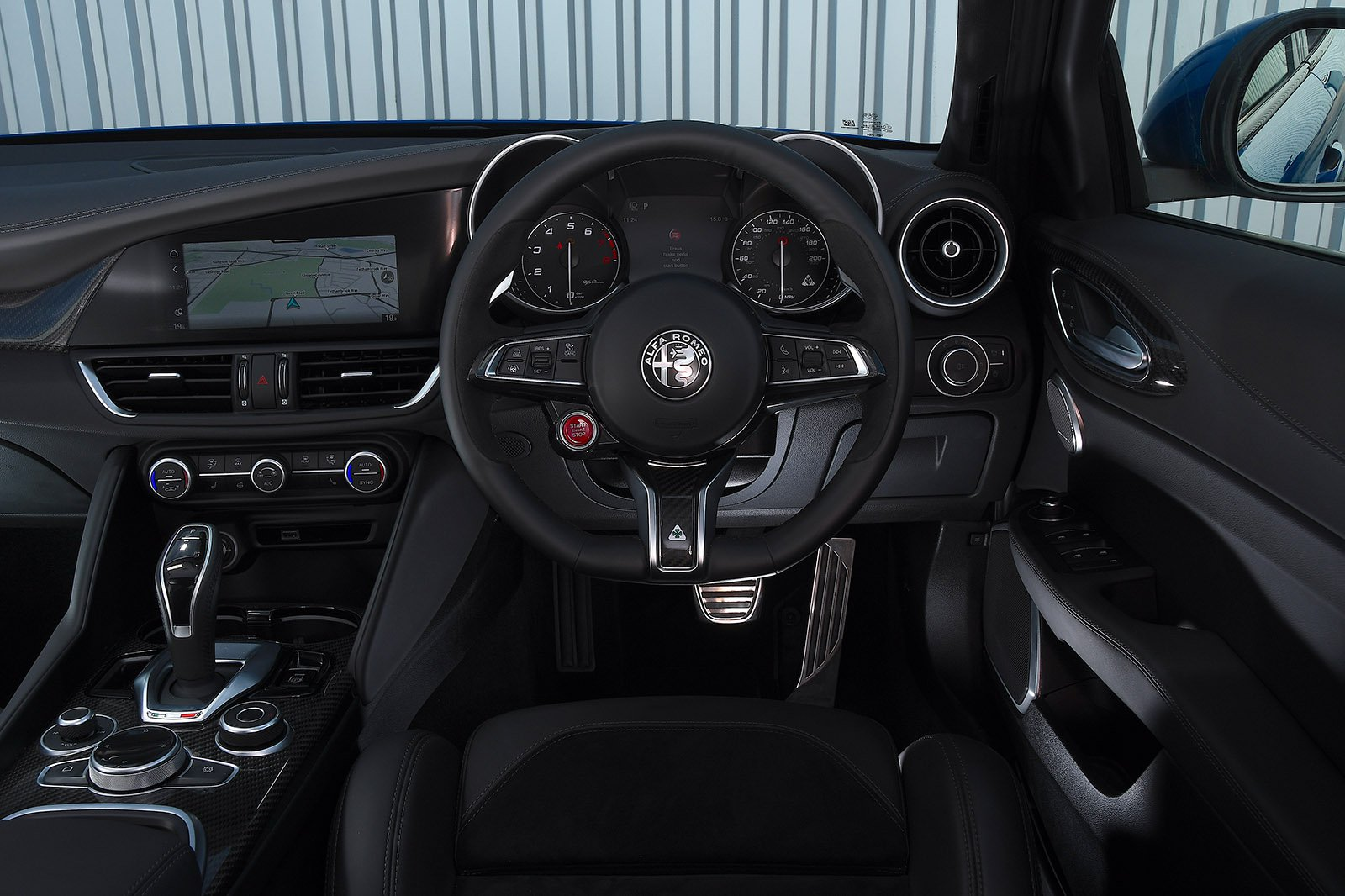 Alfa Romeo Giulia Quadrifoglio 2020 dashboard