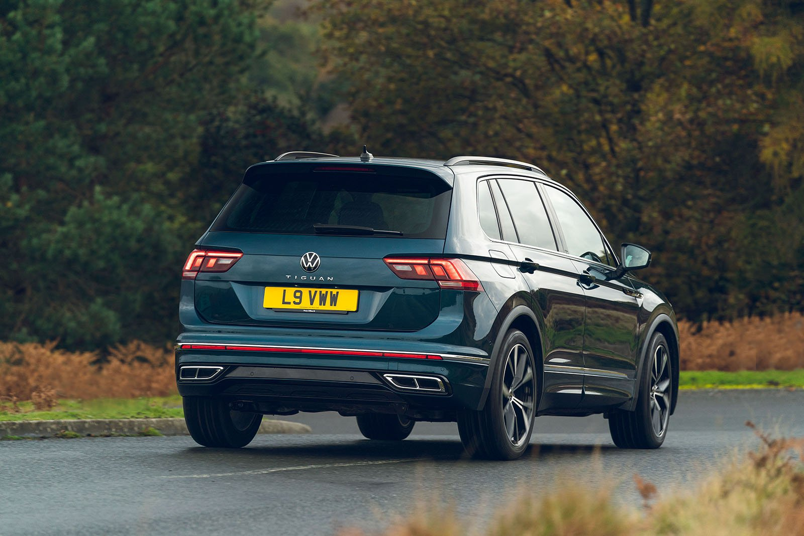 Volkswagen Tiguan 2021 Rear tracking