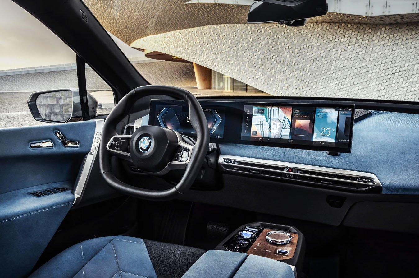 BMW iX 2021 dashboard