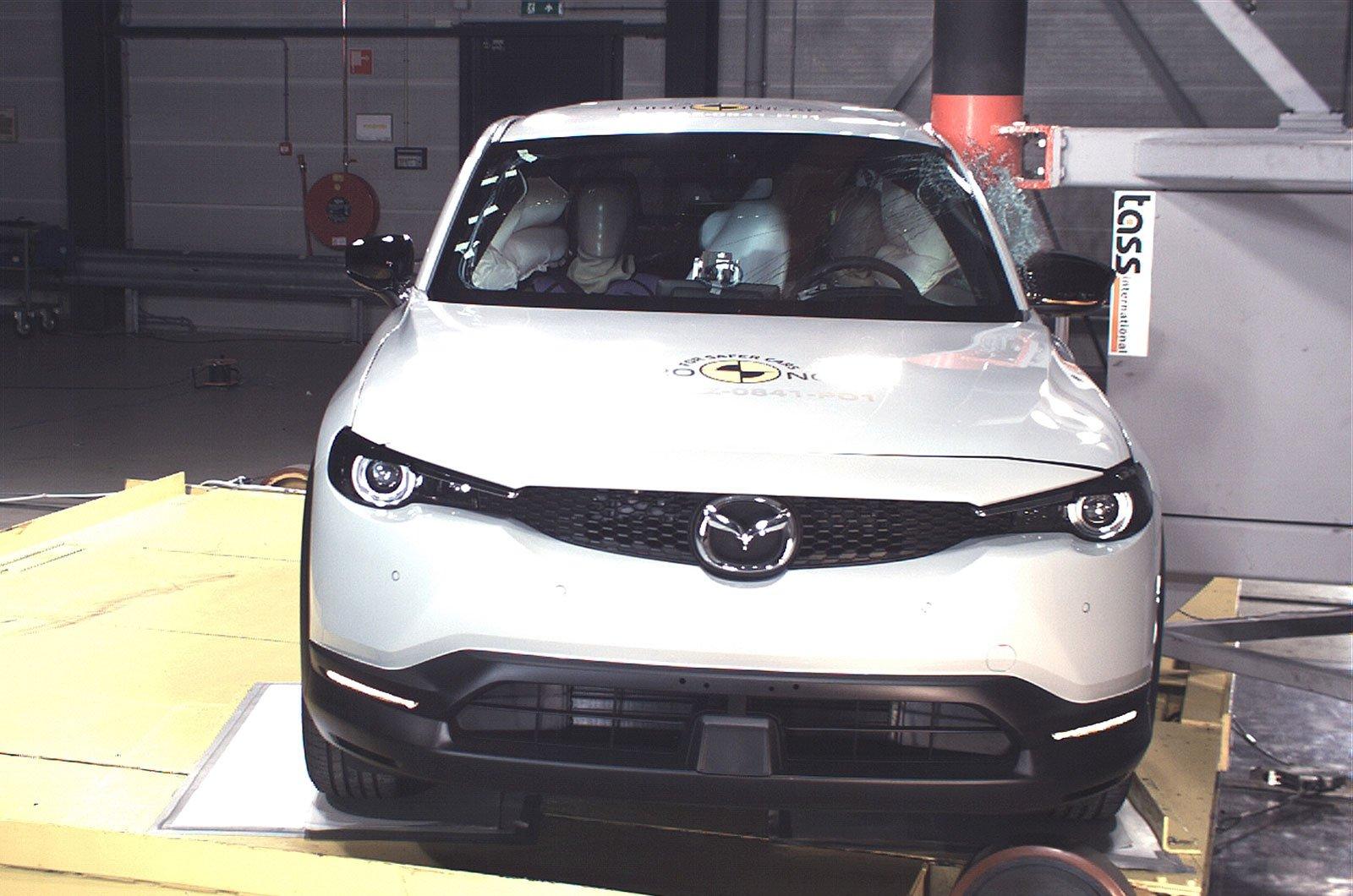 Mazda MX-30 crash test