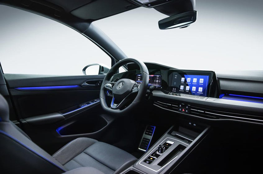 Volkswagen Golf R 2021 dashboard