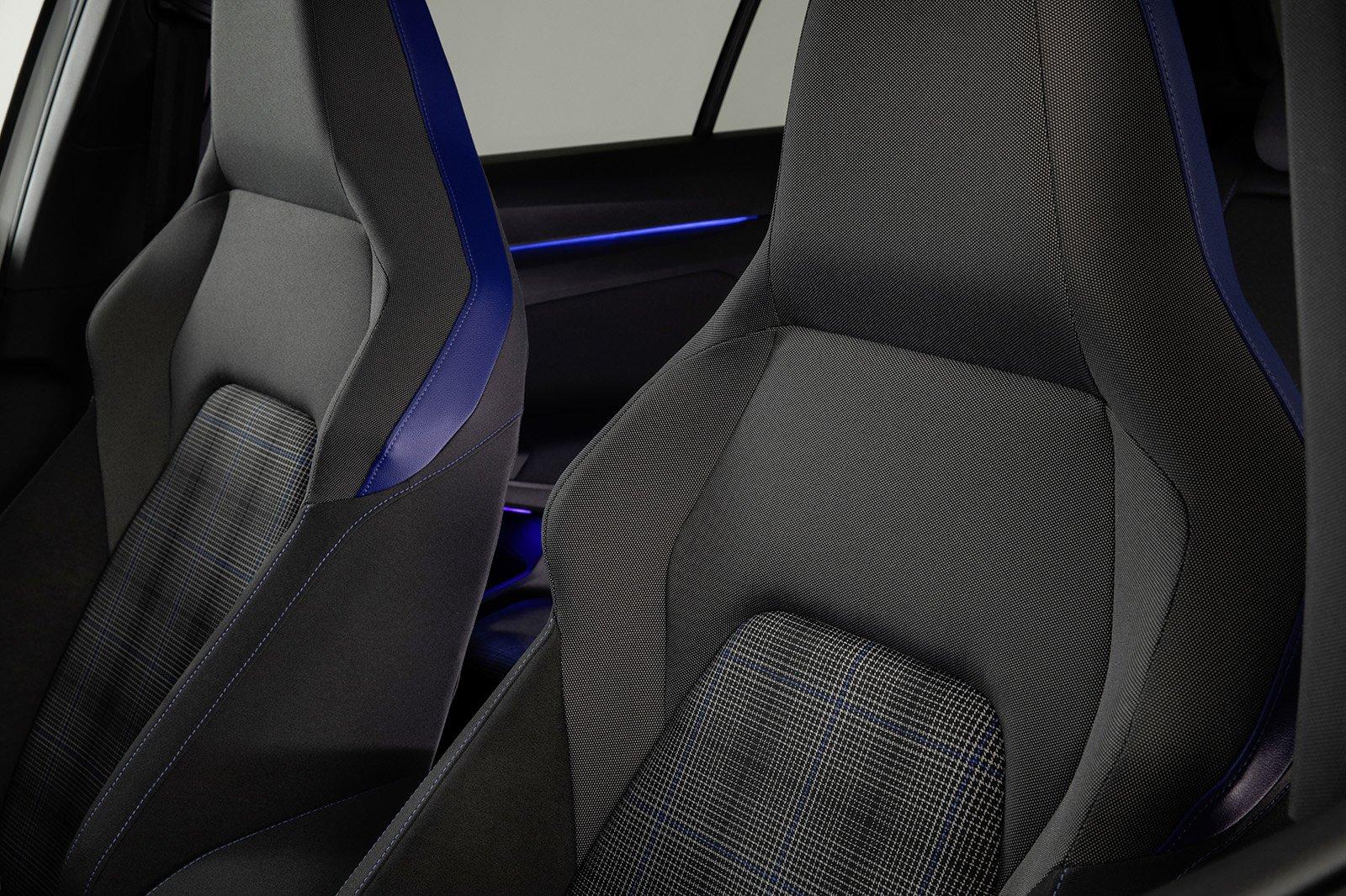 Volkswagen GTE 2020 front seats