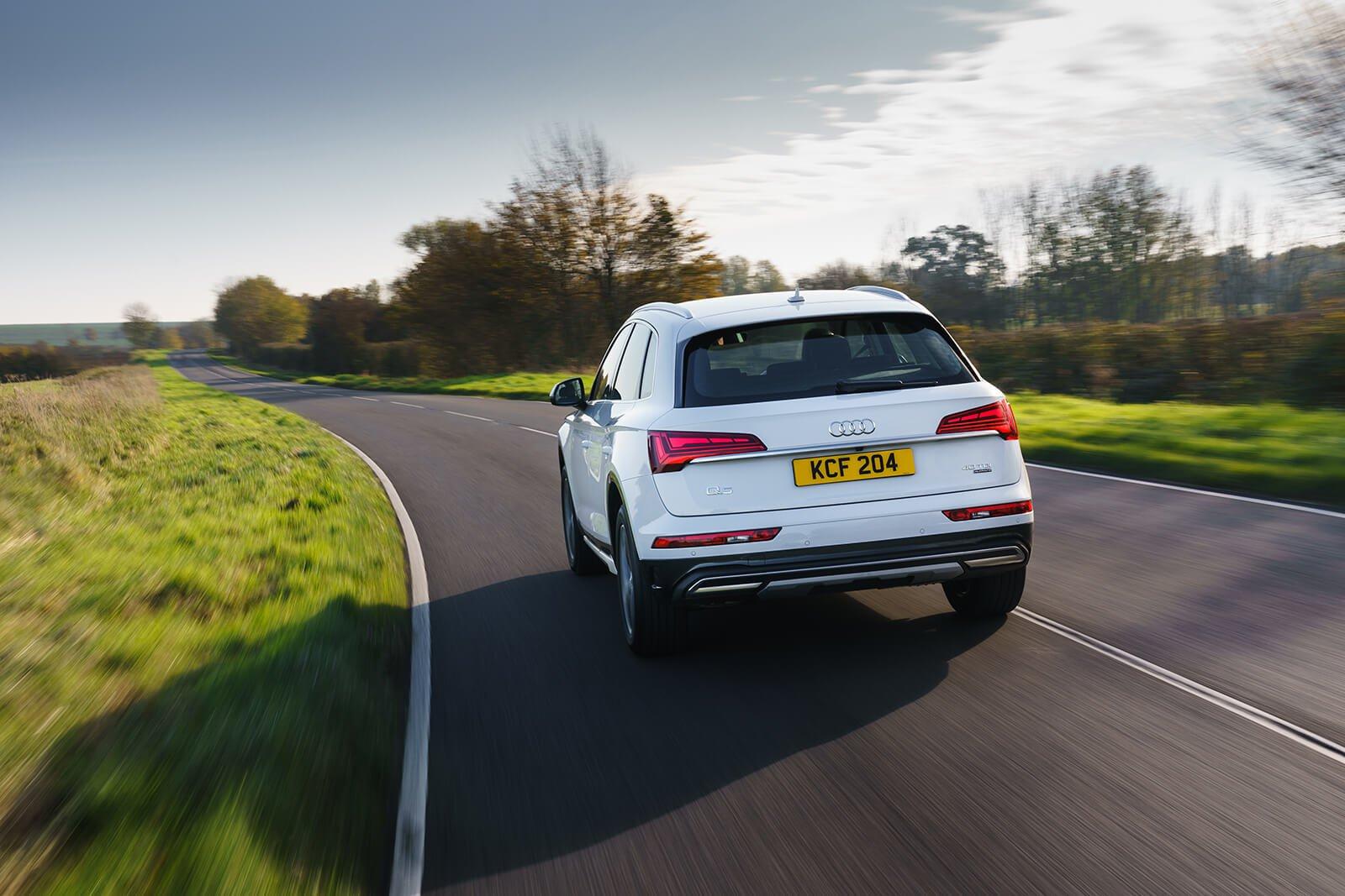Audi Q5 2021 Rear cornering