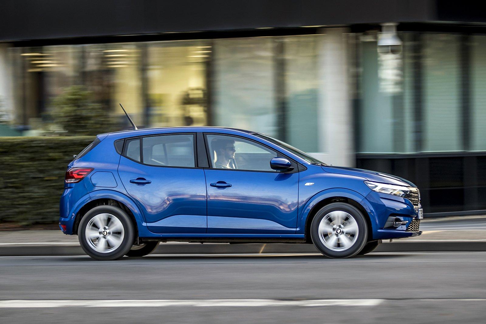 Dacia Sandero 2021 Right tracking