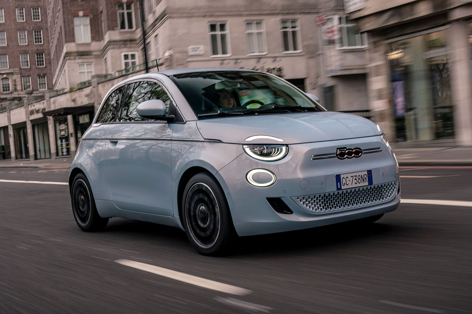Fiat 500 Electric 2020 front cornering