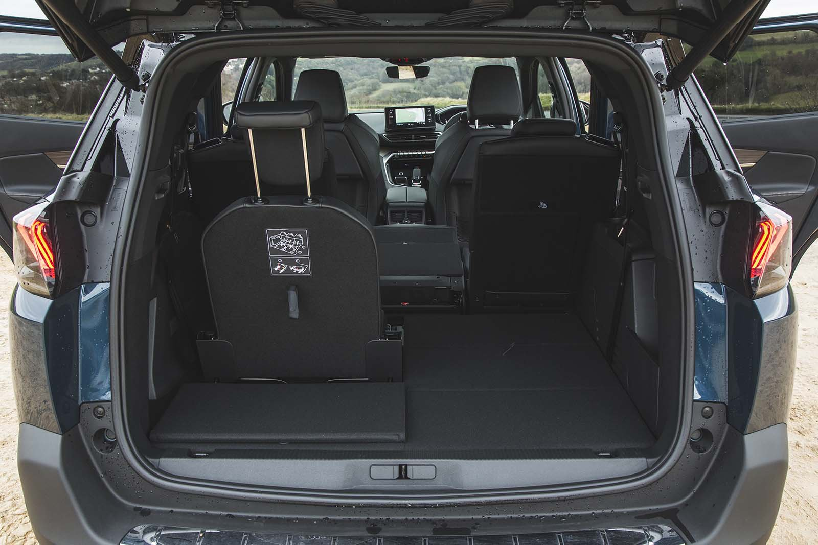 Peugeot 5008 2020 Third row fold-out seats