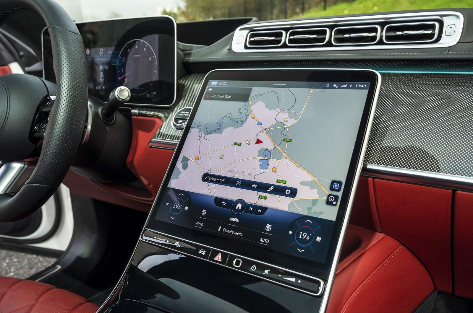 Mercedes S-Class 2021 touchscreen