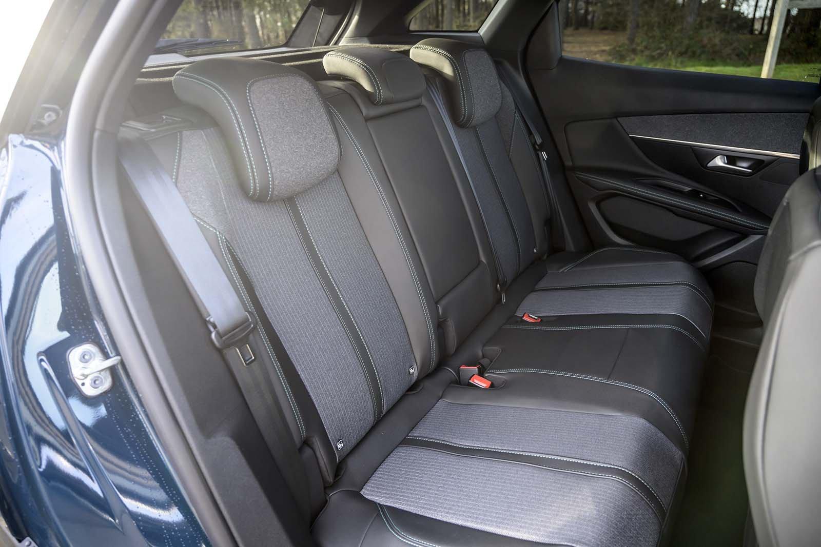 Peugeot 3008 2020 Rear seats