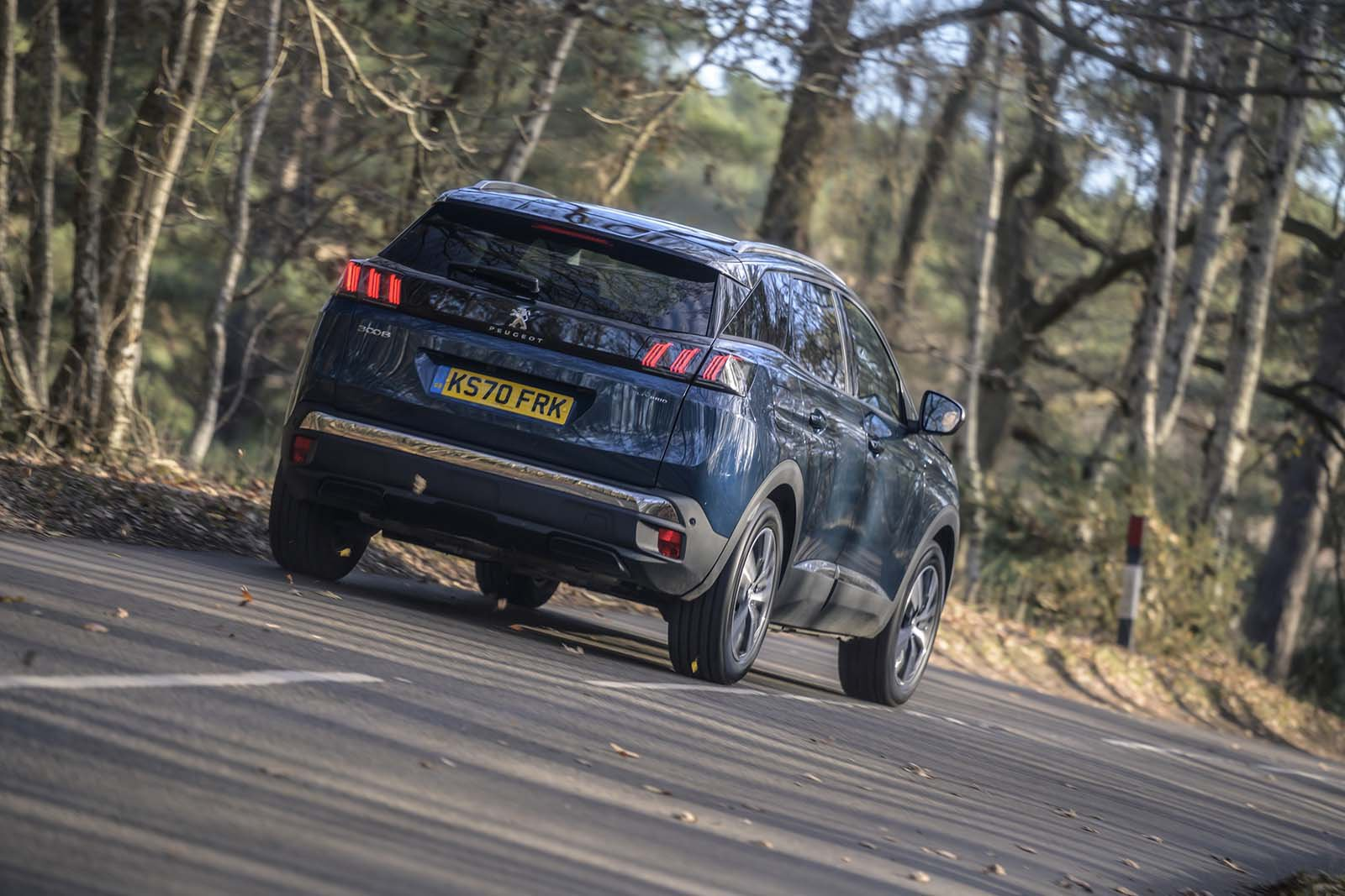 Peugeot 3008 2021 Rear tracking