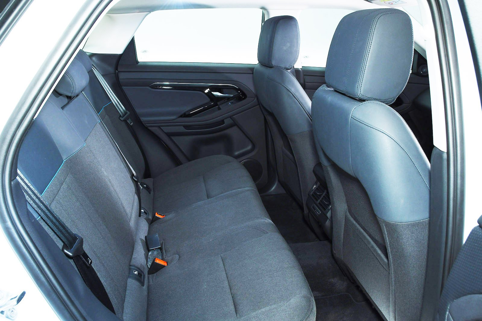 Range Rover Evoque 2020 rear seats