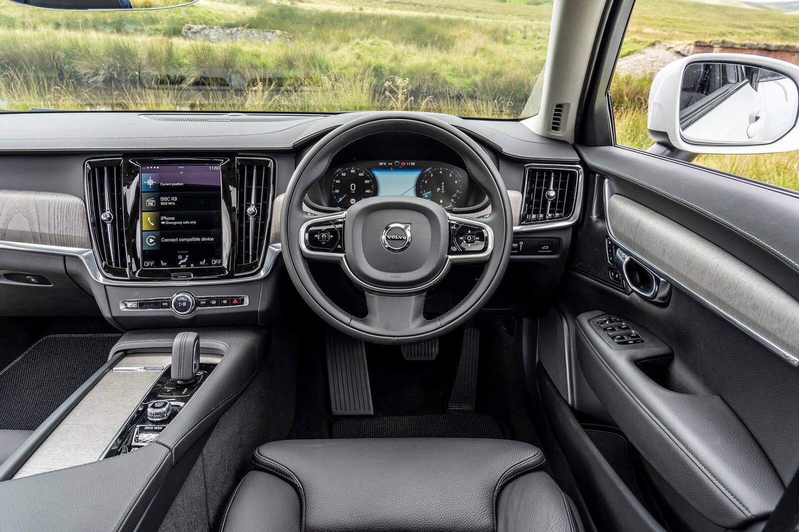 Volvo V90 Cross Country 2021 Dashboard