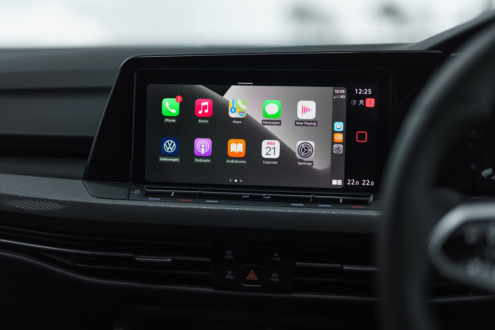 Volkswagen Golf GTI 2021 Infotainment screen
