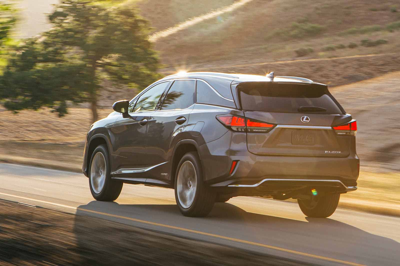 Lexus RX L 2019 LHD left rear tracking
