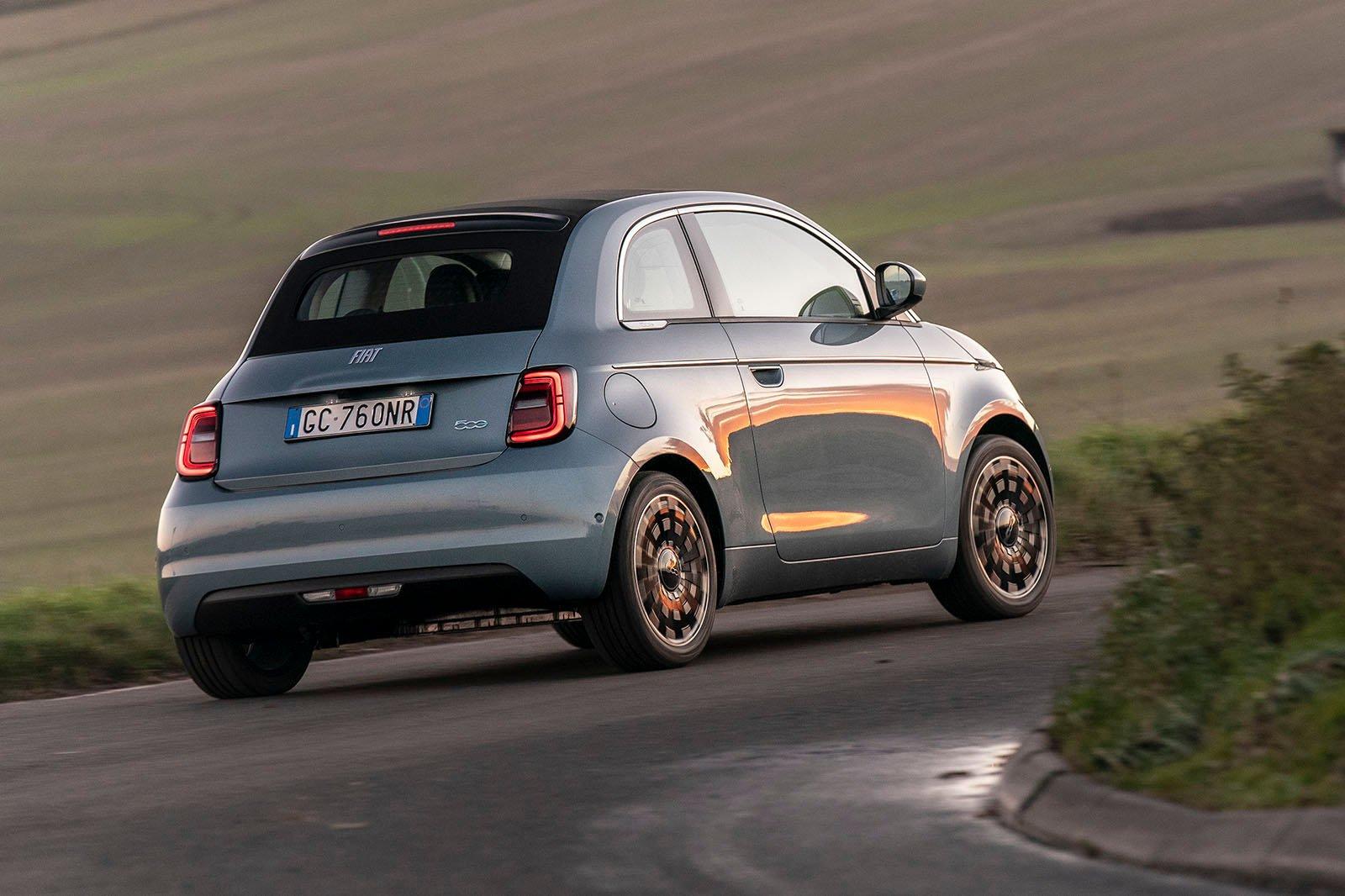 Fiat 500 Cabrio 2021 rear cornering