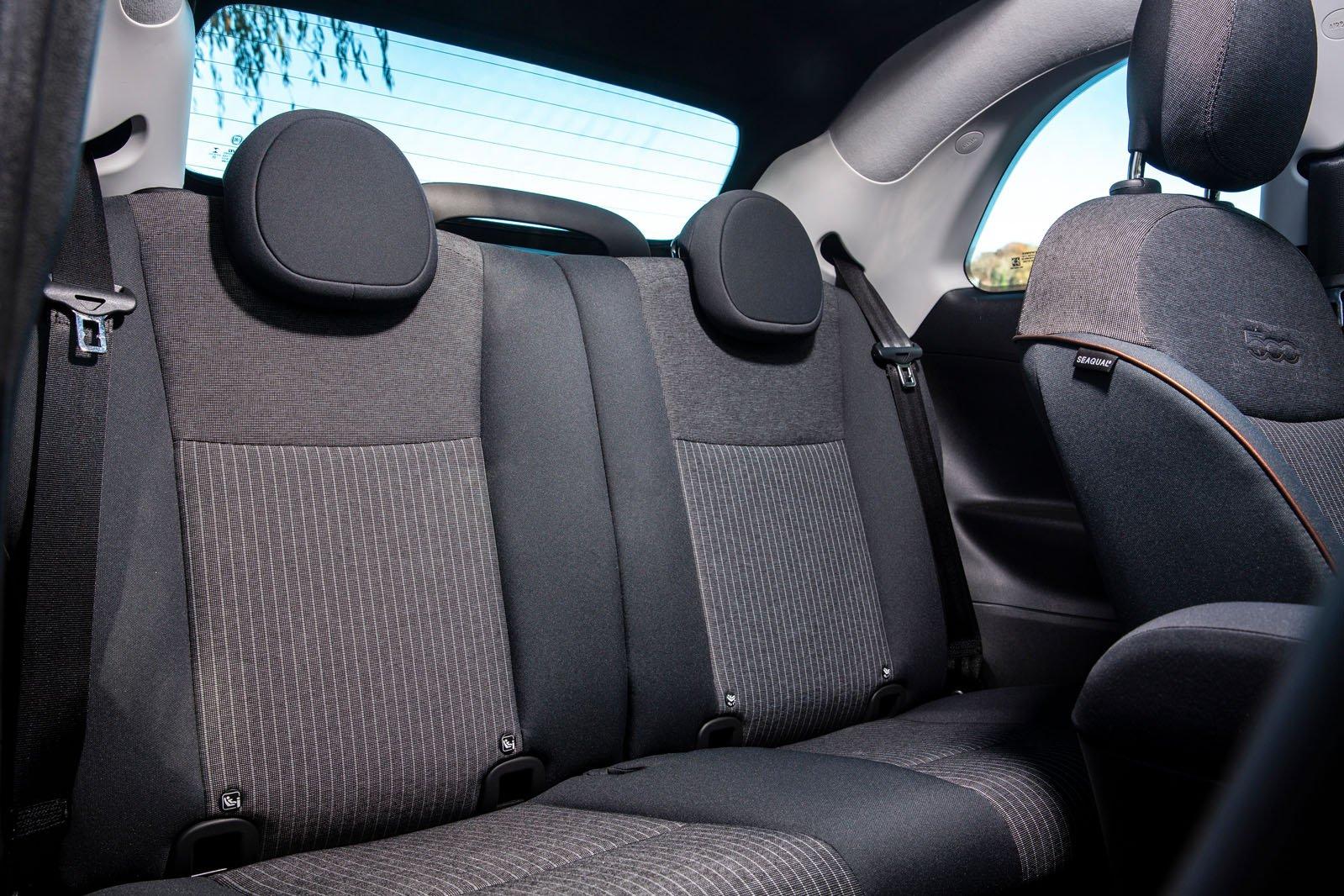 Fiat 500 Cabrio 2021 rear seats