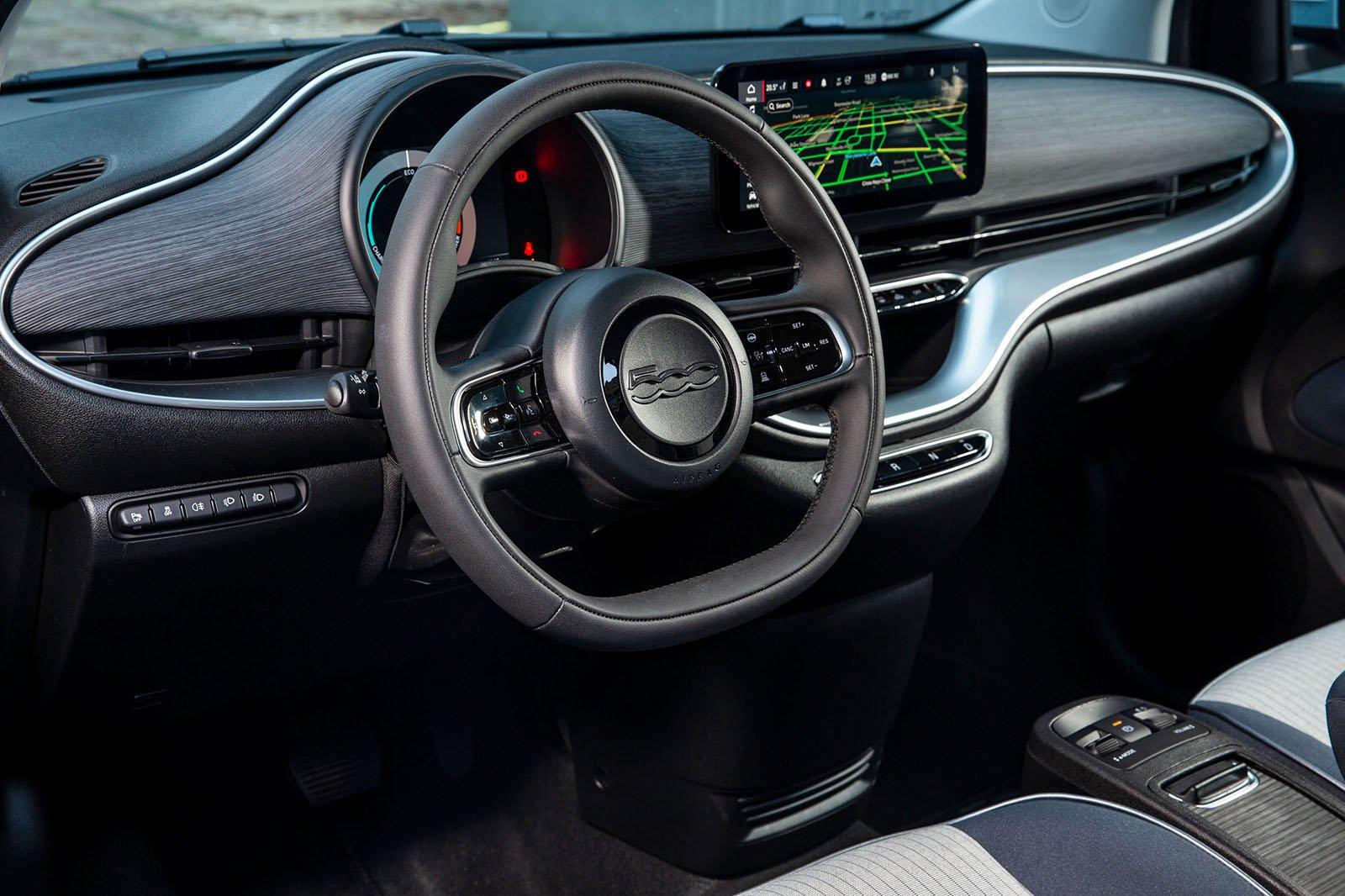 Fiat 500 Cabrio 2021 dashboard