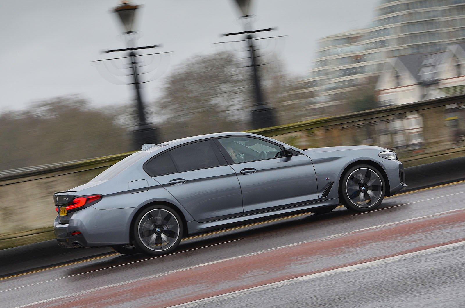 LT BMW 530e side