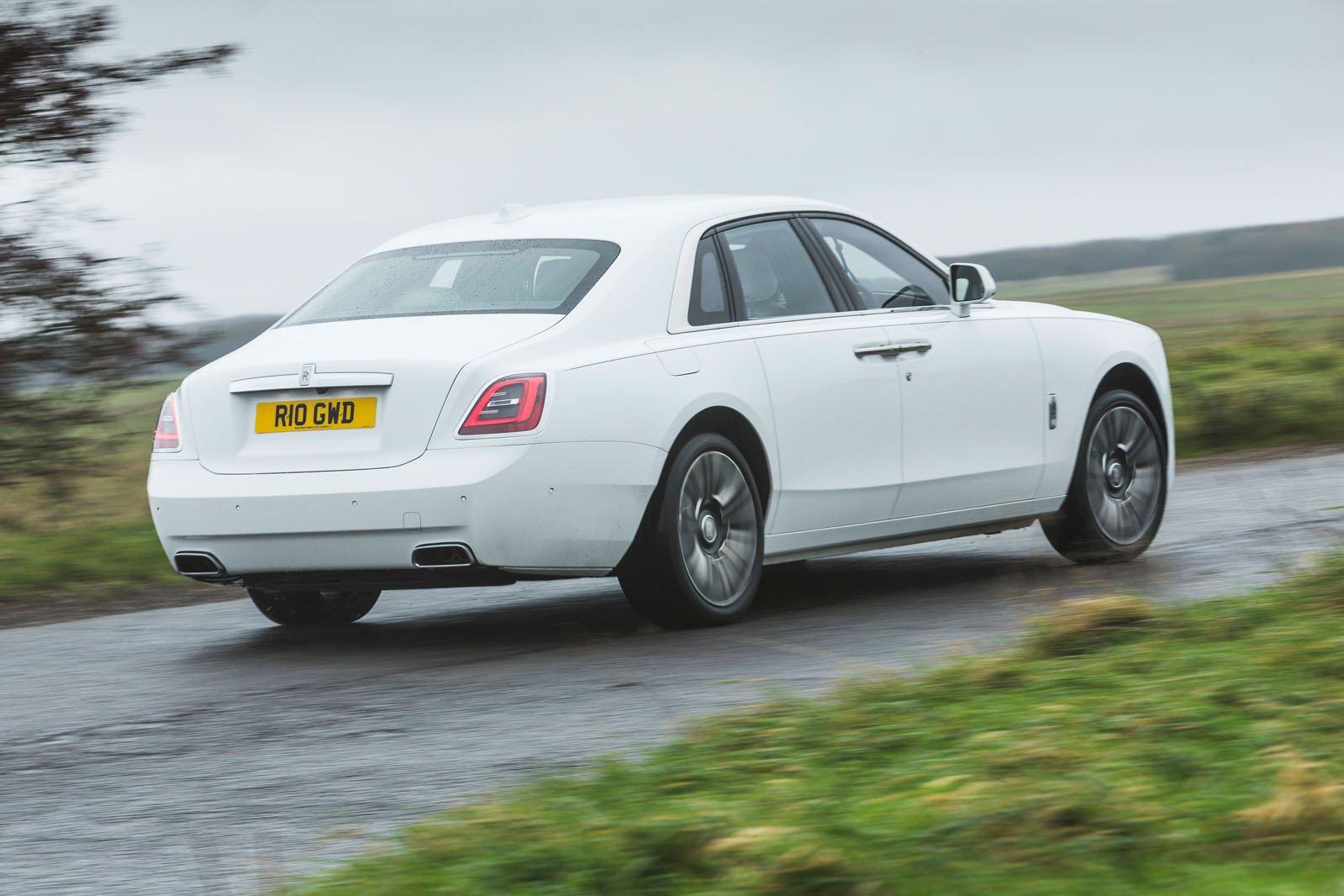 Rolls-Royce Ghost 2021 rear right cornering