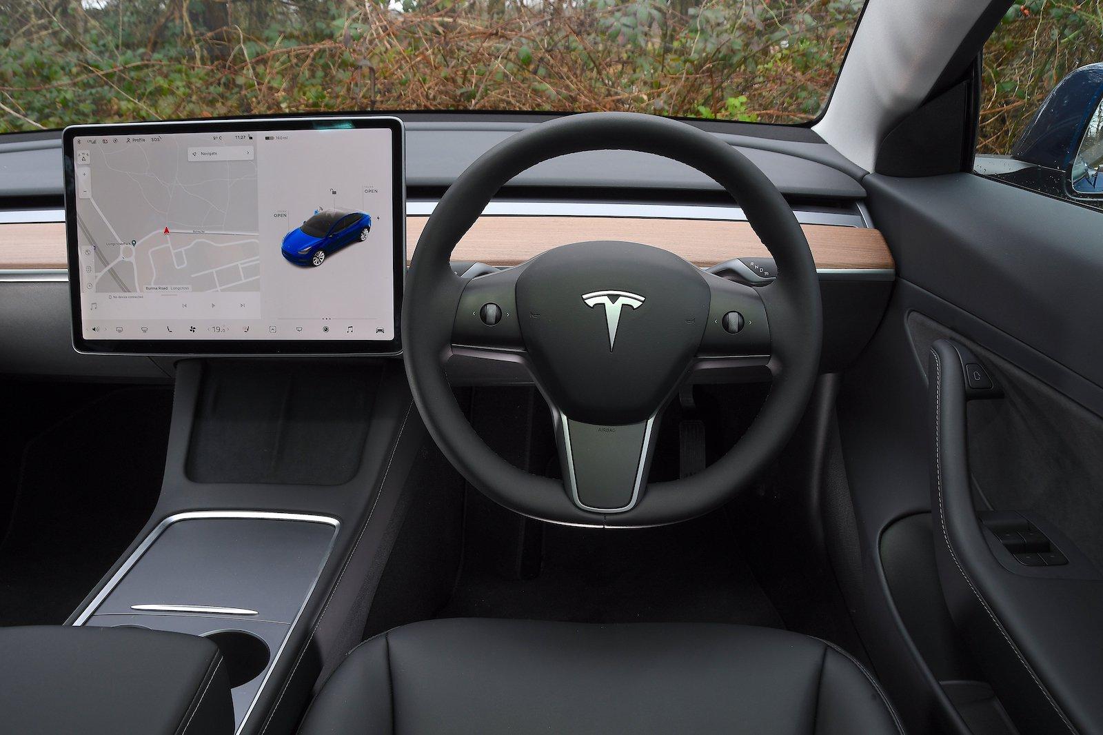 2021 Tesla Model 3 LR dash