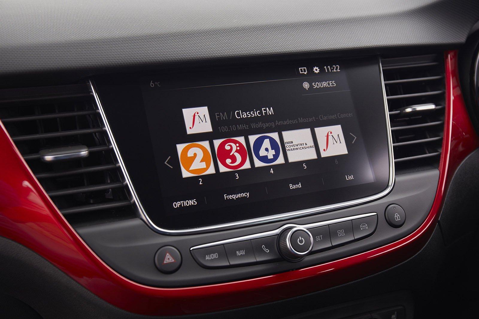 Vauxhall Crossland 2021 RHD infotainment