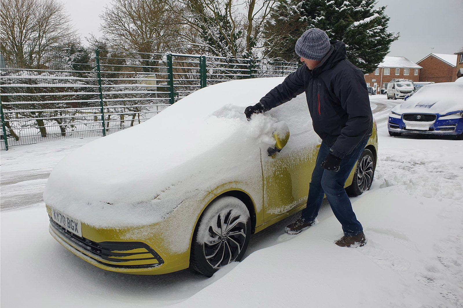 Volkswagen Golf long-term snow shot