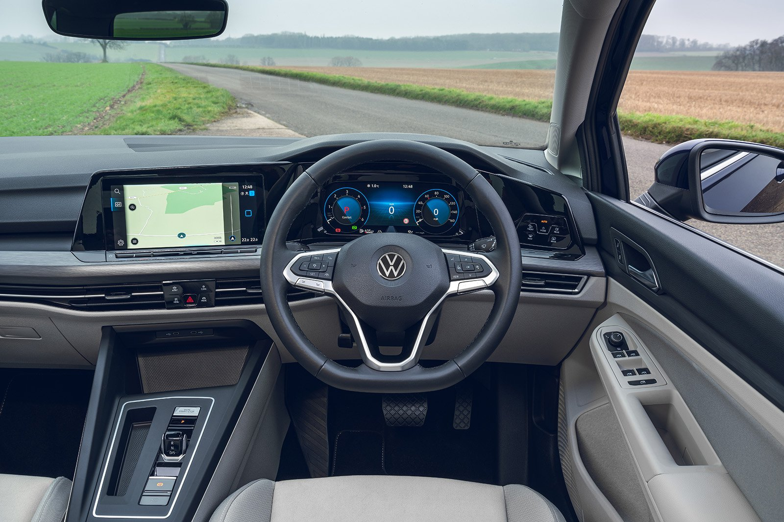 Volkswagen Golf Estate 2021 RHD dashboard