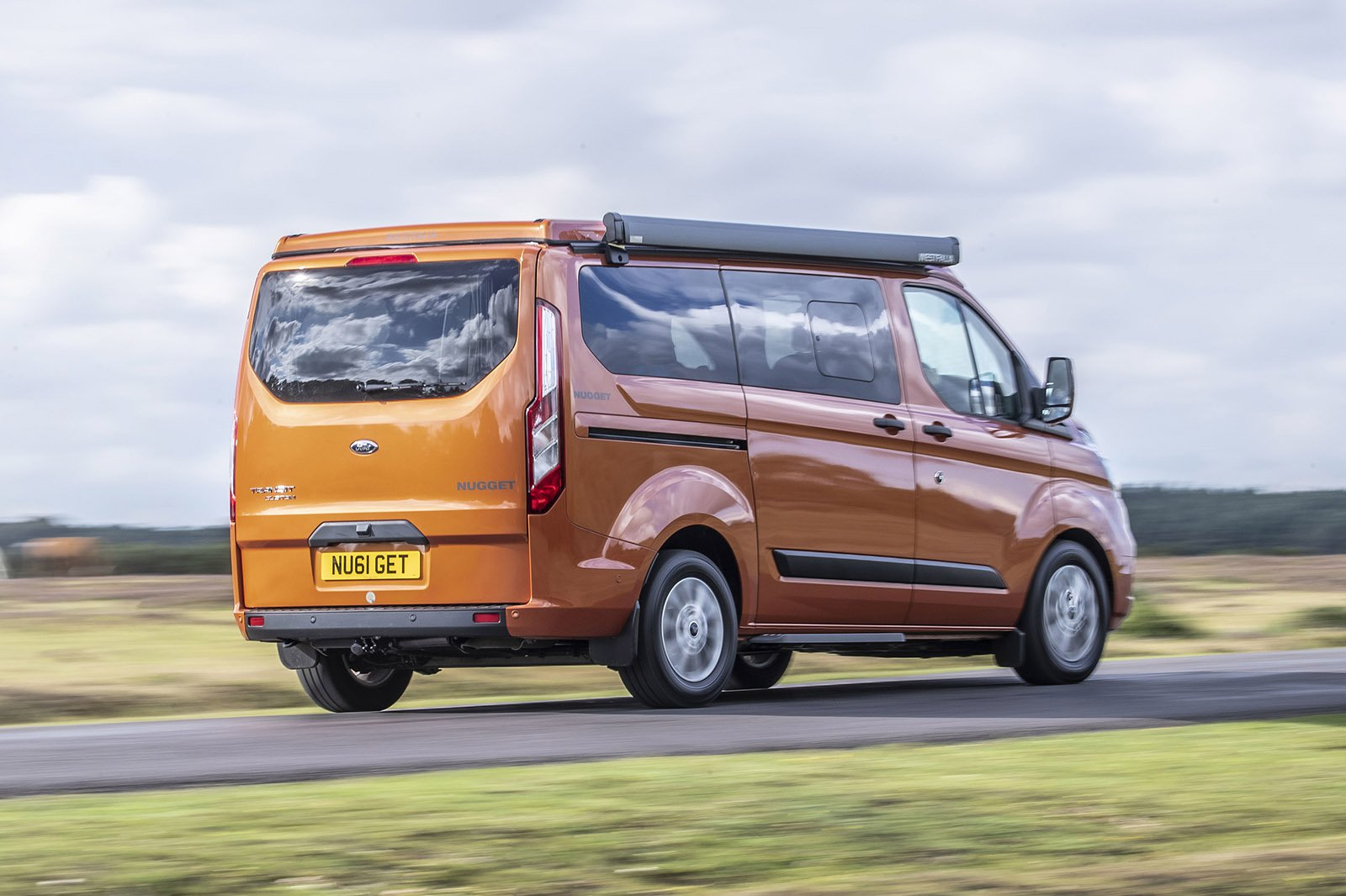 Ford Transit Nugget 2021 rear tracking